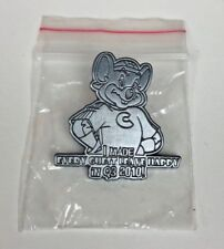 Chuck E Cheese's GUEST LEAVE HAPPY Q3 2010 Service Employee Lanyard Lapel Pin