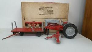 HUBLEY FORD TRACTOR FARM SET WITH BOX