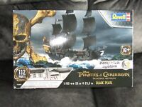 Revell Pirates of the Caribbean Jack Sparrow's Black Pearl    Easy-Click Model