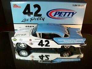 Lee Petty #42 Newton & Chappell Motors 1957 Oldsmobile 88 Hardtop 1:24 R.C.