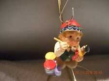 Hallmark Ornament -collector club - elf painting toys - 1999 ***