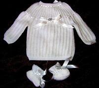 layette  naissance brassiere bébé blanc tricotée main + chaussons 1/3 MOIS