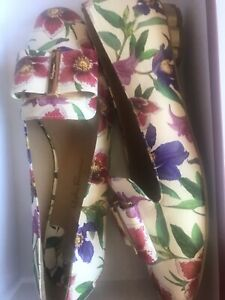 Ferragamo 7.5 B Multi Floral Vera Loafers Flat Shoes