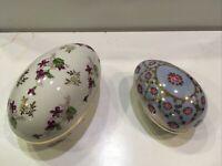 Porcelain Miniatures 2 Egg Shaped Easter Teinket Boxes Flowers Gold Trimmed