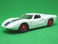 Matchbox Lesney No.41c Ford GT 40 (RARE RED HUBS)