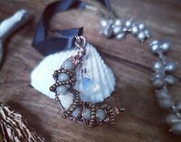 Beautiful Handmade Copper Wicca Moon Necklace - Opalite, Agate & Howlite Beads