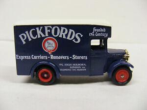 Lledo Days Gone DG16 Dennis Pickfords Express Carriers London Gold Radiator