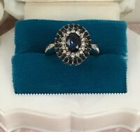 Vintage Jewellery Gold Ring with Blue and White Sapphires Antique Deco Jewelry T