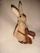 New Cute Pin Felt Needle Felted Collectible Rabbit Hare & Baby Hugs Figure Gift