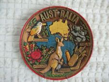 WALL PLATE 1905 AUSTRALIA HANDPAINTED ART Hanger Holder HOME DECOR FOR GIFT