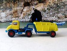 Corgi Toys 1145 Unimog 406 with Goose Dumper (2nd Edition)