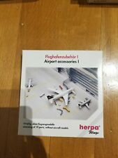 1:500 HERPA WINGS AIRPORT ACCESSORIES 1 LUGGAGE VEHICLE FIRE TRUCK NO. 519472