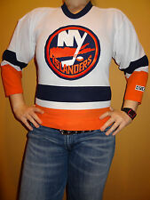 New York Islanders Embroidered CCM White NHL Jersey Sz Yth S Jrs S Canada