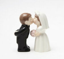 8364 Bride & Groom Wedding Kiss Magnetic Salt Pepper Shakers Boxed Set  NEW