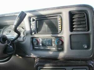 RADIO AM FM CD NAVIGATION OPTION UM8 BUTTONS WORN FITS 03 AVALANCHE 1500 261399