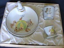 Assiette à bouillie bébé timbale coquetier porcelaine  en coffret 1960 chat
