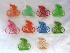 Jouets de bazar - Lot de 10 cyclistes en plastique de différentes tailles