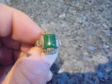 belle bague en argent 925 et marcassite et pierre verte