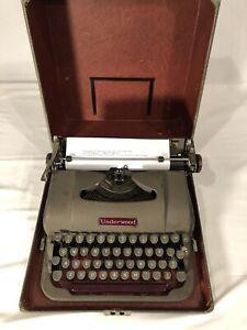 Vintage 1949/50 Underwood Portable Finger Flite Champion Typewriter- Types Well