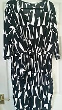 EVANS BLACK AND WHITE  DRESS SIZE 22/24 NWT