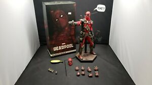 Sideshow Collectibles Marvel Deadpool 1/6 Scale Collectible Action Figure