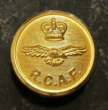 ROYAL CANADIAN AIR FORCE - QC GILT OFFICERS BUTTON 2.3 cms (PERFECT FOR BLAZERS)