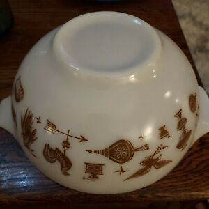 Vintage Pyrex Glass Mixing Bowl # 443 Early American Cinderella 2 1/2 Qt Brown