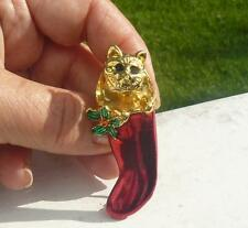 CAT LOVERS CHRISTMAS PIN TREMBLER CAT HEAD IN STOCKING   MOVES !!