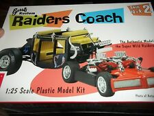 AMT RAIDERS COACH 1/25 1/25 Model Car Mountain KIT FS GEORGE BARRIS