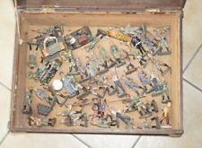 Antike Spielfiguren, überwiegend Elastolin und Lineol sowie weiteres Zubehör