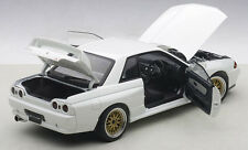 Autoart NISSAN SKYLINE GT-R R32 TUNED VERSION GLOSSY WHITE 1/18 Scale In Stock!