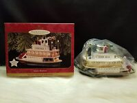 """1997 Hallmark Keepsake Magic Ornament """"Santa's Showboat"""" (NIB)"""