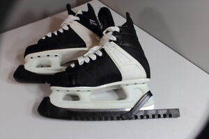 CCM Ultra Pro Skates Size: 5  Made in CANADA