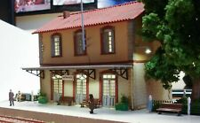 Laser-cut kit of typical Greek railway station scale H0 1:87