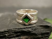 Wunderbarer 925 Silber Ring Breit Schlicht Grüner Stein Raute Quadrat Elegant