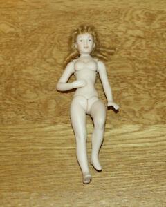 Dollshouse Miniature -  Young lady porcelain figure (unclothed)