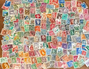 [Lot E] 200 Assorted Small Worldwide Stamp Collection Off Paper - Great Variety!