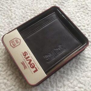 Levi's Men's Leather RFID Blocking Jackson Slimfold  Passcase Wallet - Brown