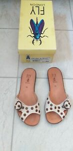 LADIES FLY LEATHER SANDALS SIZE 5