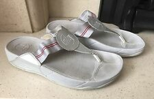 Fit Flop Silver/ Grey Flip Flop Sandals Size 7