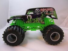 4 Time Champion Hot Wheels Monster Jam Grave Digger Die-Cast Vehicle 1:24 Scale
