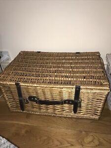 Large Wicker Hamper Basket With Lid Slight Damage See Photos