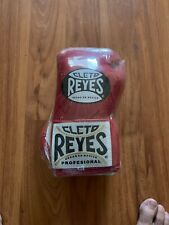 Cleto Reyes Professional Fight Boxing Gloves 8 Oz Classic Red