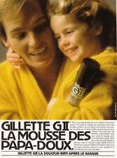 Publicité ancienne mousse à raser Gillette G II 1982 issue de magazine
