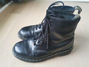 Dr Martens Stiefel Docs Made in England UK 7 EU 40 Original Marten schwarz