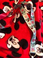 Disney Parks Holiday Lanyard Hidden Mickey Snowflake Green Red New