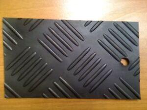 Passatoia/pavimento in GOMMA MANDORLA col. NERO 3mm - rotolo intero € 16,00mq