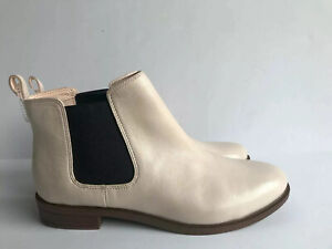 Clarks Womens Taylor Shine Chelsea Boot sz 8.5M Nude Pink