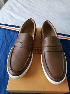 TODS MOCCASSIN LOAFERS size 7