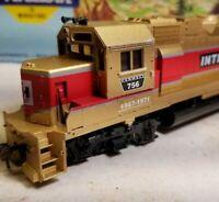 Athearn International Harvester GP38-2 locomotive train engine HO scale Case IH